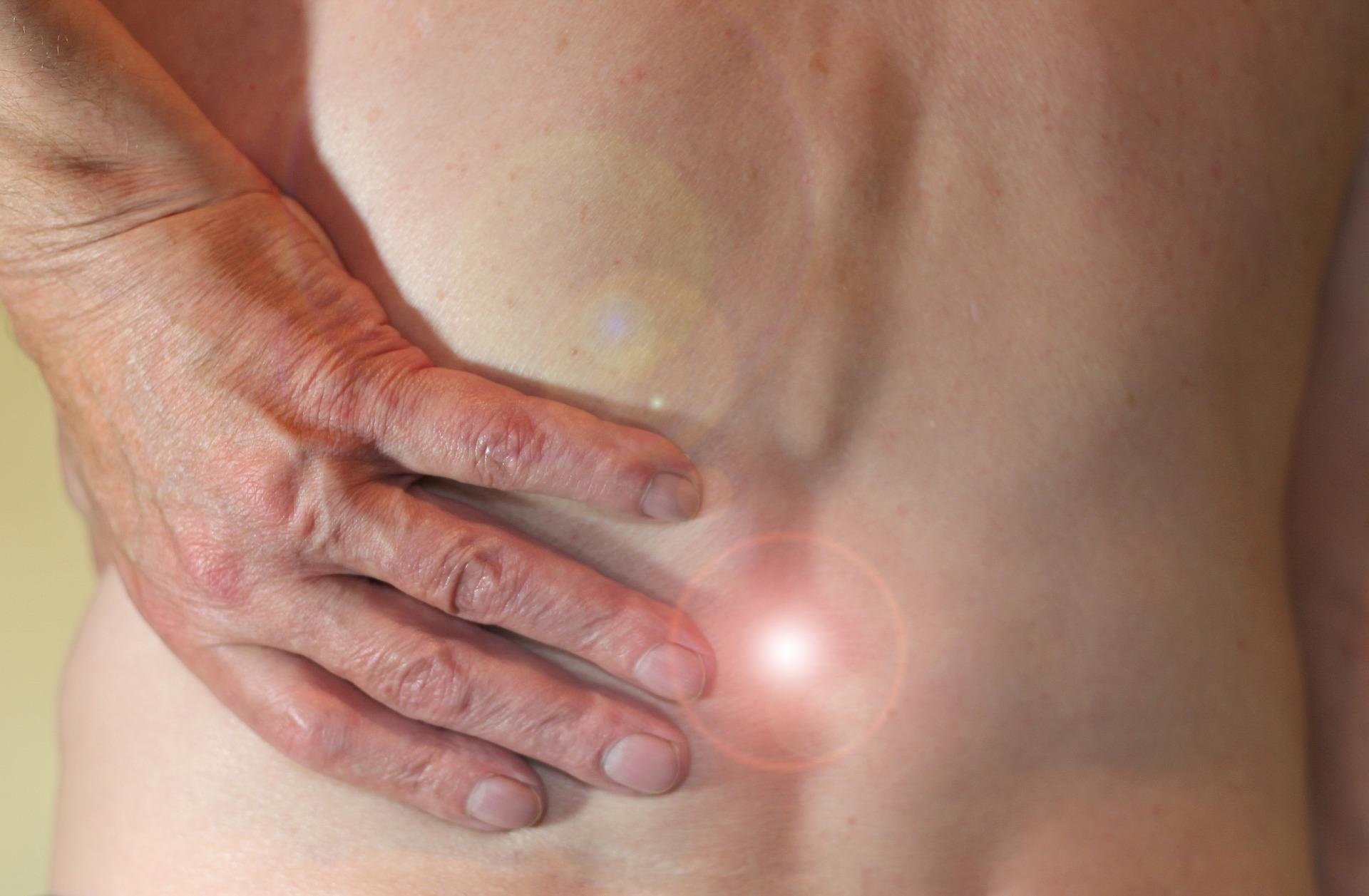 Rückenschmerzen: Enge im Wirbelkanal
