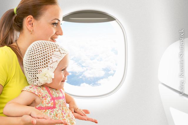 Kleinkinder im Flugzeug