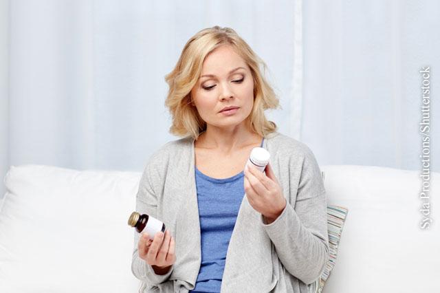 Bei der gleichzeitigen Einnahme mehrerer Medikamente kann es zu möglicherweise gefährlichen Wechselwirkungen kommen.