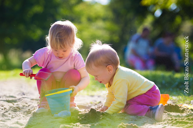 Den Sandkasten mögen nicht nur Kinder, sondern auch Keime.