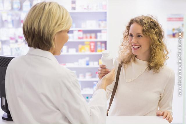 Gut beraten: Ihre Apotheke berät Sie kompetent in Arzneimittelfragen.