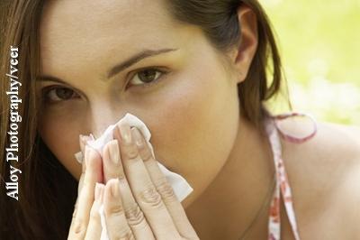 Keine reine Winterkrankheit: Eine Erkältung kann einen zu jeder Jahreszeit heimsuchen.