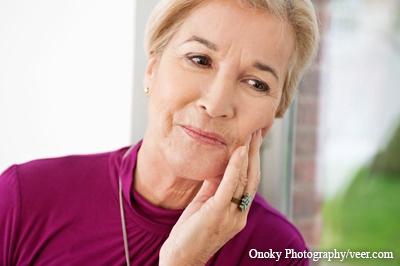Infektion bei Zahn-Implantaten